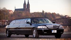 limuzina-cerna01